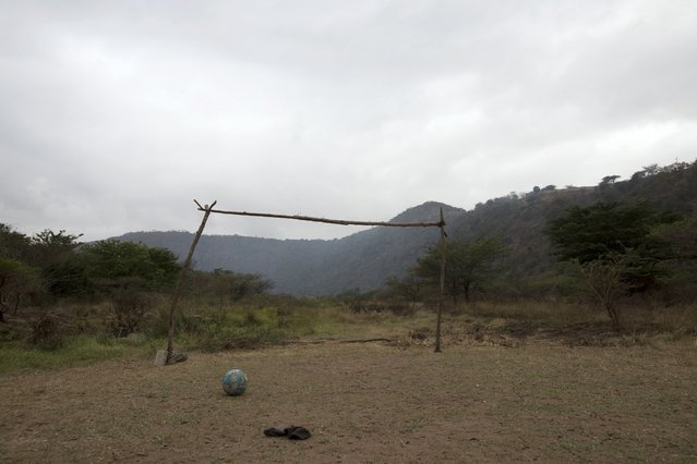 A makeshift soccer goalpost stands near Molweni, west of Durban, South Africa in this June 5, 2014 file photo. (Photo by Rogan Ward/Reuters)