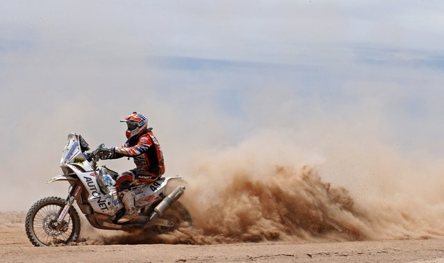 KTM rider Jakub Przygonski of Poland rides during the 9th stage of the Dakar Rally 2015 from Iquique to Calama January 13, 2015. (Photo by Jean-Paul Pelissier/Reuters)