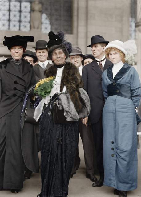 On the far left, American suffragist Lucy Burns (1879 – 1966) of the Congressional Union For Women Suffrage (CUWS) stands next to Mrs Emmeline Pankhurst (center) probably in Washington, DC, 1913. (Photo by PhotoQuest/Getty Images)