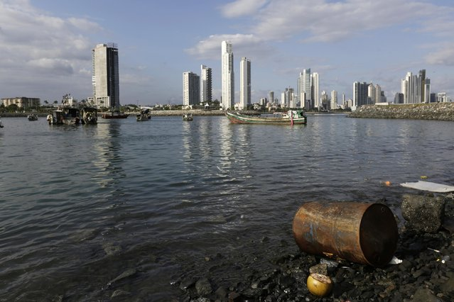 An old rusted oil barrel is seen in Panama Bay in Panama City January 31, 2015. (Photo by Carlos Jasso/Reuters)
