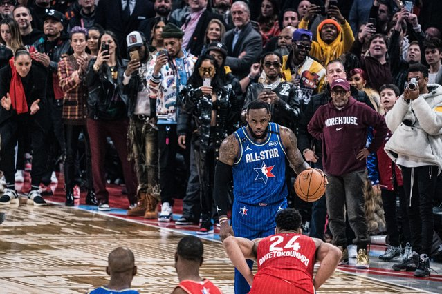 Special Merit Award. The Star of All-Stars (2020). All eyes are on LeBron James during the NBA All-Star game. (Photo by Yip Lampson Karmin/World Sports Photography Awards 2021)