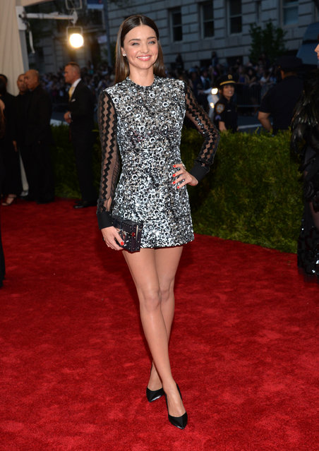 """Miranda Kerr arrives at The Metropolitan Museum of Art's Costume Institute benefit gala celebrating """"China: Through the Looking Glass"""" on Monday, May 4, 2015, in New York. (Photo by Evan Agostini/Invision/AP Photo)"""