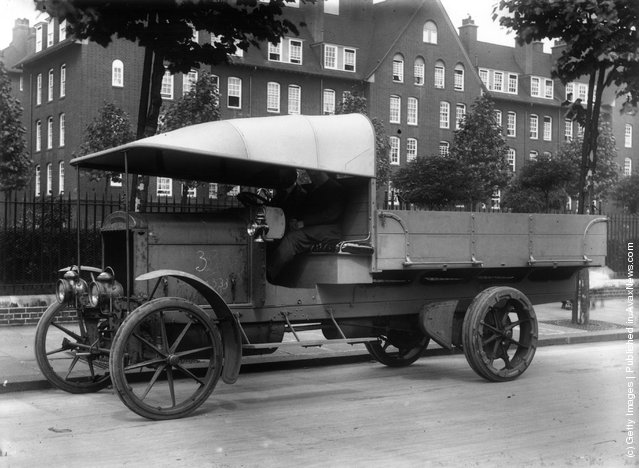 1914: A Thorneycroft motor van as used during World War I