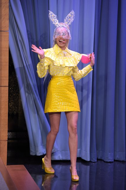 "Miley Cyrus Visits ""The Tonight Show Starring Jimmy Fallon"" at Rockefeller Center on October 1, 2015 in New York City. (Photo by Theo Wargo/NBC/Getty Images for ""The Tonight Show Starring Jimmy Fallon"")"