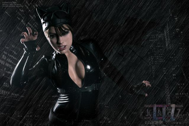 Liz Katz's Killer Catwoman Cosplay First Edition