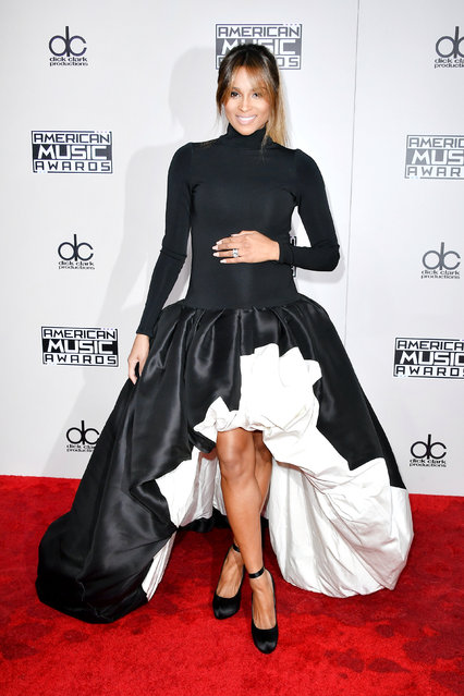 Recording artist Ciara arrives at the 2016 American Music Awards at Microsoft Theater on November 20, 2016 in Los Angeles, California. (Photo by Allen Berezovsky/Getty Images for Fashion Media)