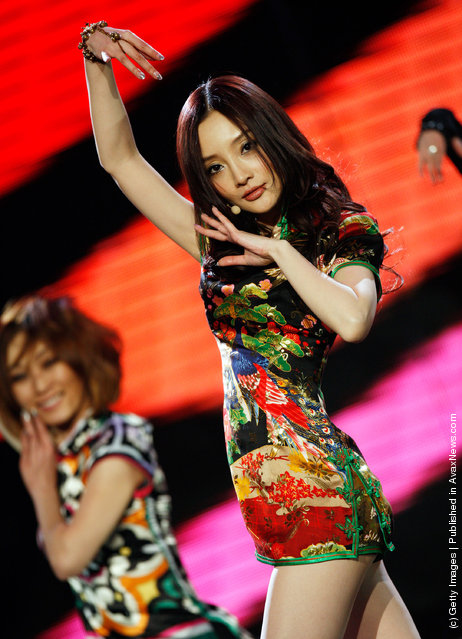 Chinese actress and singer Li Xiaolu performs during the 2008 Beijing Pop Music Awards ceremony