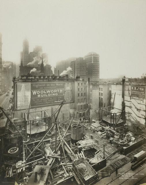 Construction of the Woolworth Building at 233 Broadway in 1911. (Photo by New York Public Library)