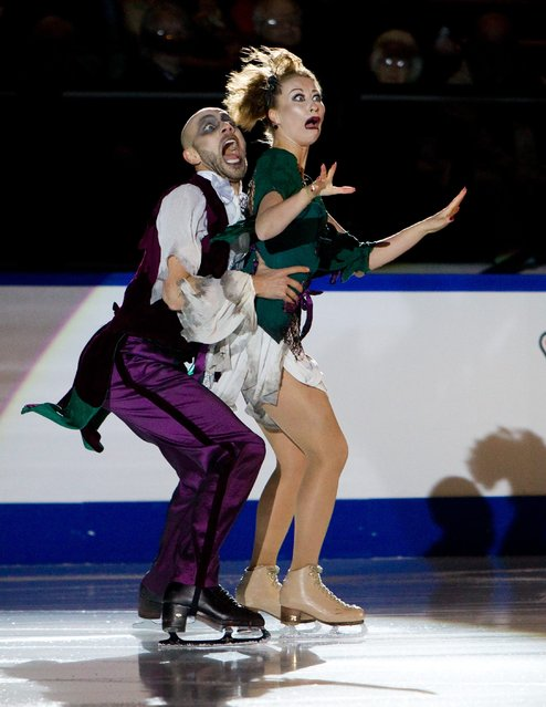 Germany's Nelli Zhiganshina and Alexander Gazsi perform during the exhibition gala at the 2014 Skate Canada International in Kelowna, British Columbia November 2, 2014. (Photo by Ben Nelms/Reuters)