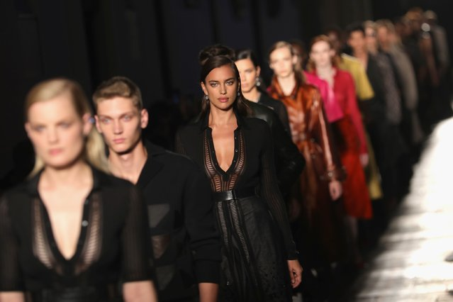 Model Irina Shayk walks the runway at the Bottega Veneta show during Milan Fashion Week Spring/Summer 2017 on September 24, 2016 in Milan, Italy. (Photo by Vittorio Zunino Celotto/Getty Images)
