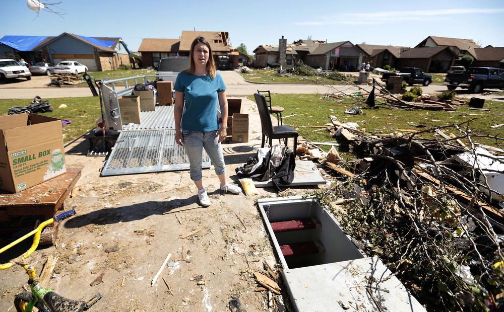 Oklahoma Residents Return to Survey Tornado Damage