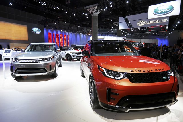 The 2017 Land Rover Discovery is pictured at the 2016 Los Angeles Auto Show in Los Angeles, California, U.S November 16, 2016. (Photo by Mike Blake/Reuters)
