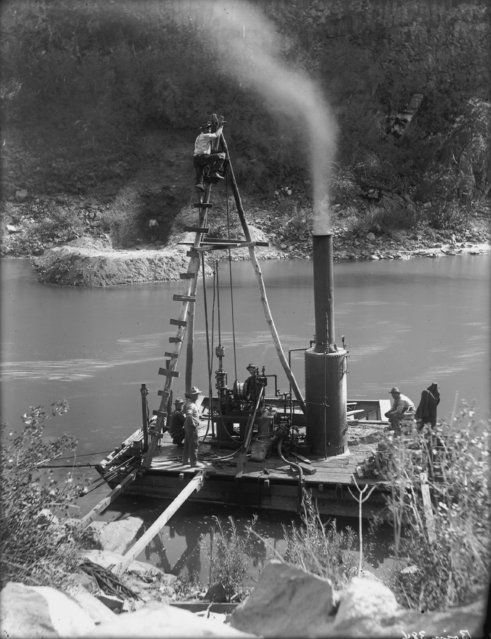 """Testing the subsurface-Drilling with diamond drills, Boise"". Irrigation Project, Idaho and Oregon, August 1910. (Photo by Walter Lubken)"