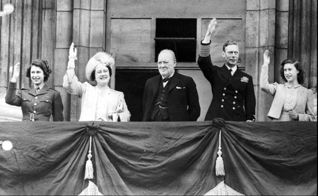 Britain's Prime Minister Winston Churchill, center, joins the royal family, from left, Princess Elizabeth, Queen Elizabeth, King George VI, and Princess Margaret, on the balcony of Buckingham Palace, London, England, on VE-Day on May 8, 1945. (Photo by AP Photo)