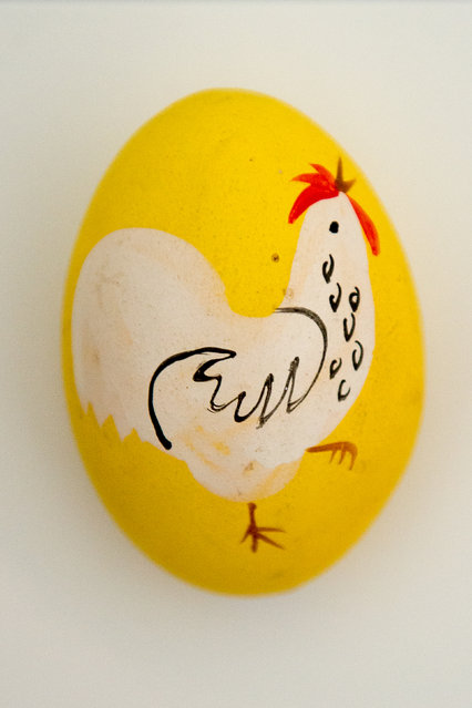 A decorated egg is seen at the egg museum in Winden am See, Austria, March 25, 2016. (Photo by Christian Bruna/EPA)