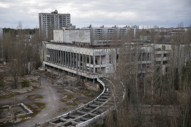 A view of the abandoned city of Pripyat is seen near the Chernobyl nuclear power plant in Ukraine on March 24, 2016. (Photo by Gleb Garanich/Reuters)