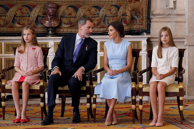 (L-R) Spanish Crown Princess Leonor; Spain's King Felipe VI and Queen Letizia; and Spanish Princess Sofia attend the decoration ceremony at Royal Palace in Madrid, Spain, 19 June 2019. A total of 41 Spaniards are decorated in a ceremony to mark the 5th anniversary of Felipe VI's reign. (Photo by /EPA/EFE/Ballesteros)