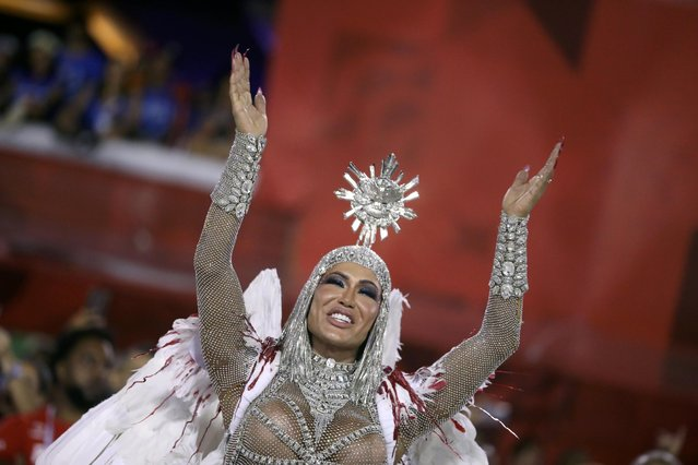 Drum queen Gracyanne Barbosa of Uniao da Ilha samba school gestures during the first night of the Carnival parade at the Sambadrome in Rio de Janeiro, Brazil on February 24, 2020. (Photo by Pilar Olivares/Reuters)