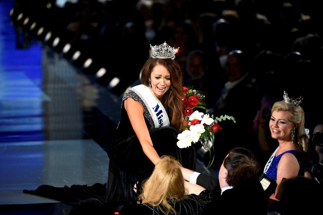 Miss North Dakota Cara Mund greets a supporter after being announced as the winner of the Miss America competition in Atlantic City, New Jersey U.S. September 10, 2017. (Photo by Mark Makela/Reuters)