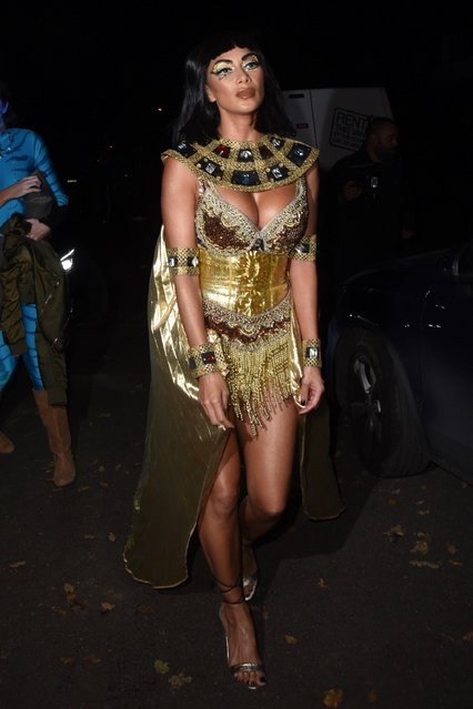 Nicole Scherzinger seen leaving Jonathan Ross - Halloween party on October 31, 2017 in London, England. (Photo by Flynet Pictures)