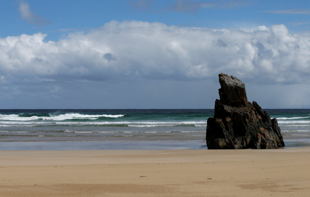 Waves roll on to Tolsta beach on the Isle of Lewis and Harris, an island off the northwestern tip of Scotland in the Outer Hebrides, Britain April 28, 2016. (Photo by Russell Cheyne/Reuters)