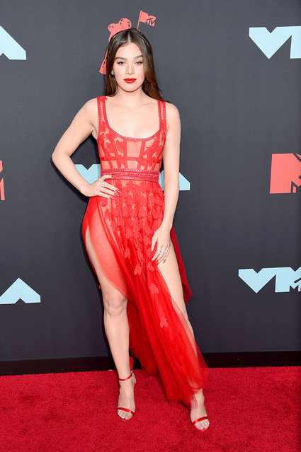 Hailee Steinfeld attends the 2019 MTV Video Music Awards at Prudential Center on August 26, 2019 in Newark, New Jersey. (Photo by Jamie McCarthy/Getty Images for MTV)