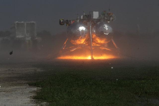 Morpheus Ground Level Hot Fire. Photo Date: April 2nd 2012. Location: VTB Flight Complex; Photographer: Joe Bibby