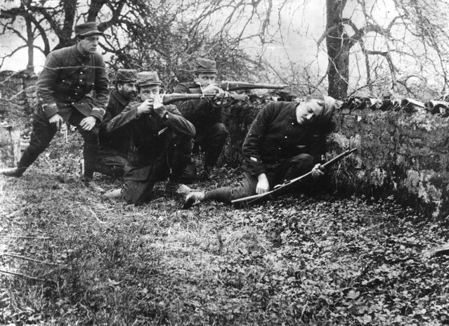French soldiers during the Battle of the Marne, 1914.
