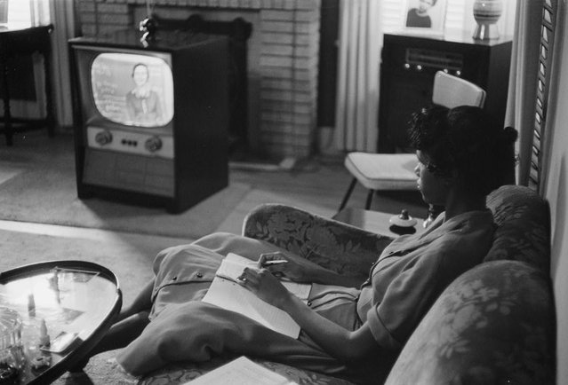A high school student being educated via television during the period that schools in Little Rock, Arkansas, were closed to avoid integration, September 1958. (Photo by Reuters/Library of Congress)