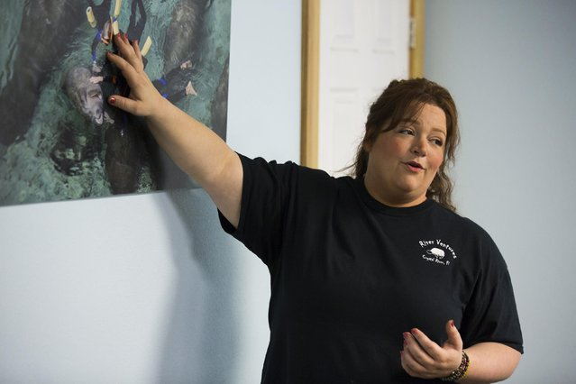 River Ventures tour operations manager Brandi Bruton gives the required orientation to guests before heading out to snorkel with the manatees at the Three Sisters Springs in Crystal River, Florida January 15, 2015. (Photo by Scott Audette/Reuters)