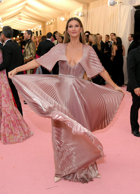 Gisele Bündchen attends The 2019 Met Gala Celebrating Camp: Notes on Fashion at Metropolitan Museum of Art on May 06, 2019 in New York City. (Photo by Neilson Barnard/Getty Images)