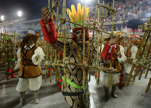 Revellers from Imperatriz samba school perform during the carnival parade at the Sambadrome in Rio de Janeiro, Brazil February 27, 2017. (Photo by Sergio Moraes/Reuters)