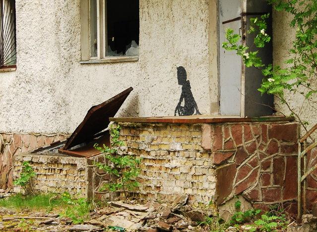Graffiti in Pripyat, near Chernobyl. (Photo by Fi Dot/Flickr)