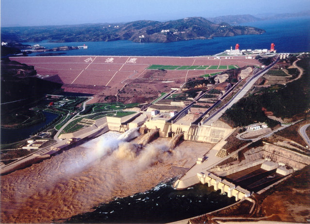 Sand-Washing Operation Of Yellow River Held At Xiaolangdi Reservoir