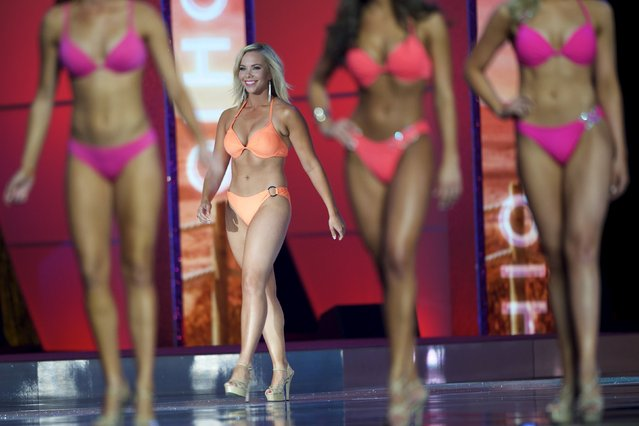 Miss Ohio Sarah Hider competes in the swimsuit competition during the first night of preliminaries of Miss America at Boardwalk Hall in Atlantic City, New Jersey, September 8, 2015. (Photo by Mark Makela/Reuters)