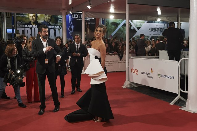 "Spanish actress Blanca Suarez (C) attends the ""Mi Gran Noche"" premiere at the Kursaal Palace during 63rd San Sebastian International Film Festival on September 20, 2015 in San Sebastian, Spain. (Photo by Carlos Alvarez/Getty Images)"