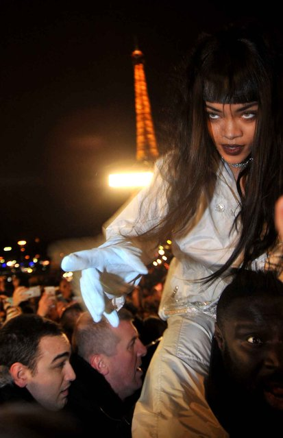 Rihanna shoots a video clip with fans at the trocadero, in Paris, France, on December 18, 2014. (Photo by Antoine Cau/SIPA Press)