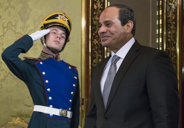 Egyptian President Abdel-Fattah el-Sissi, right, enters a hall for his talks  with  Russian President Vladimir Putin  in the Kremlin in Moscow, Russia, Wednesday, August 26, 2015. The Egyptian president is visiting Moscow in a bid to revive relations with Russia which were traditionally warm in the Soviet times. (Photo by Alexander Zemlianichenko/AP Photo)