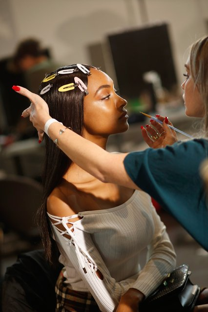 Model Jourdan Dunn is seen backstage ahead of the Versace show during Milan Fashion Week Spring/Summer 2017 on September 23, 2016 in Milan, Italy. (Photo by Tristan Fewings/Getty Images)