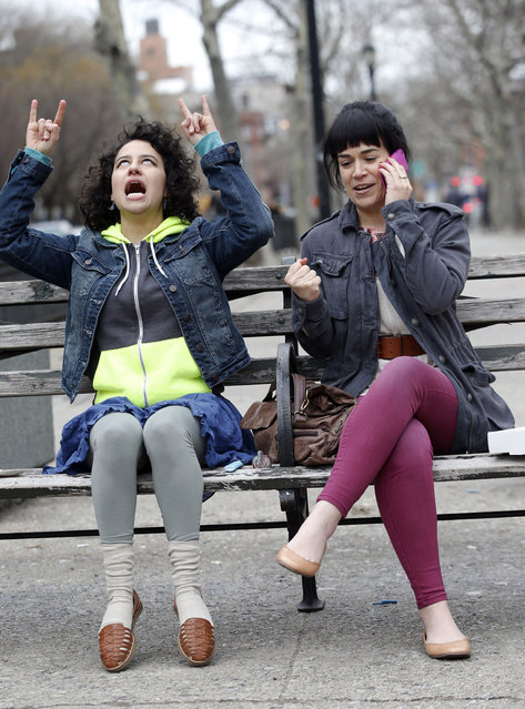 """Ilana Glazer, Abbi Jacobson filming """"Broad City"""" on April 14, 2017 in New York City. (Photo by Steve Sands/GC Images)"""
