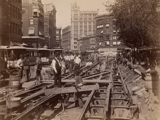 Construction of the cable road on Broadway in 1891. (Photo by New York Public Library)