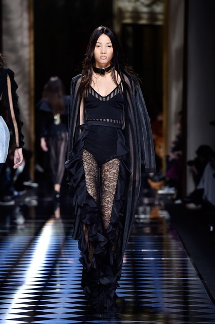 A model walks the runway during the Balmain show as part of the Paris Fashion Week Womenswear Fall/Winter 2016/2017 on March 3, 2016 in Paris, France. (Photo by Pascal Le Segretain/Getty Images)