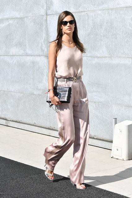 Alessandra Ambrosio arrives at the Giorgio Armani show during Milan Fashion Week Spring/Summer 2019 on September 23, 2018 in Milan, Italy. (Photo by Jacopo Raule/Getty Images)