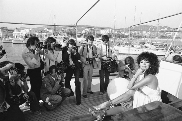 "In this May 13, 1979 file photo, British actress Joan Collins poses for the media before the presentation of her film ""The b*tch"" at the 32nd International Film Festival in Cannes, France. (Photo by Jean Jacques Levy/AP Photo)"