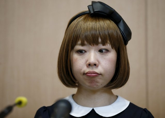 Japanese artist Megumi Igarashi, known as Rokudenashiko, attends a news conference following a court appearance in Tokyo April 15, 2015. (Photo by Toru Hanai/Reuters)