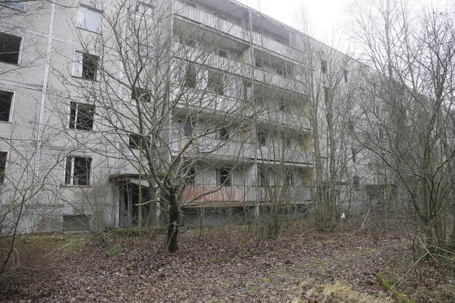 A view of empty houses in the town of Pripyat near the closed Chernobyl nuclear power plant  Ukraine November 27, 2012. (Photo by Efrem Lukatsky/AP Photo)