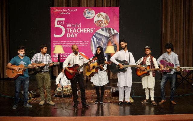 Pakistani students from different institution performing tribute to their teachers at Al Hamra Arts Council organised by Lahore arts council on the eve of World Teachers Day, which is celebrating annually on 05 October in Lahore. (Photo by Rana Sajid Hussain/Pacific Press/Rex Features/Shutterstock)