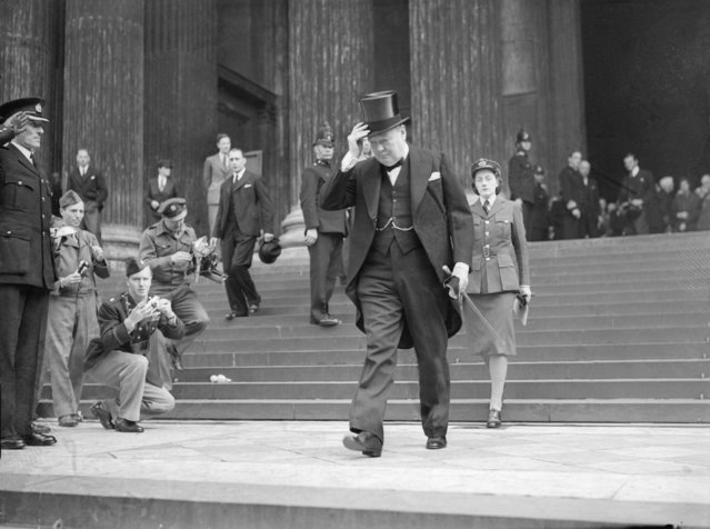 British Conservative politician and Prime Minister, Winston Churchill with his daughter Sarah, leaving the memorial service at St Paul's Cathedral for the American President Franklin Delano roosevelt, 17th April 1945. (Photo by Reg Speller/Fox Photos/Getty Images)
