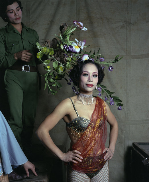 "Circus performer, 1988. (Photo by  William E. Crawford from the book ""Hanoi Streets 1985-2015: In the Years of Forgetting"")"