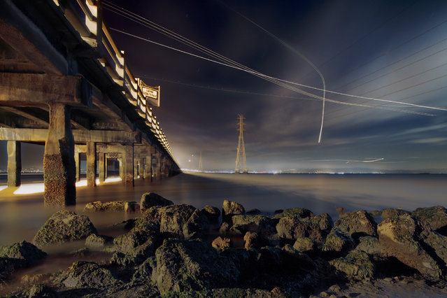 Long Exposure Airport Photos ByTerence Chang